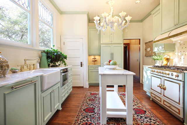 traditional-kitchen-mint