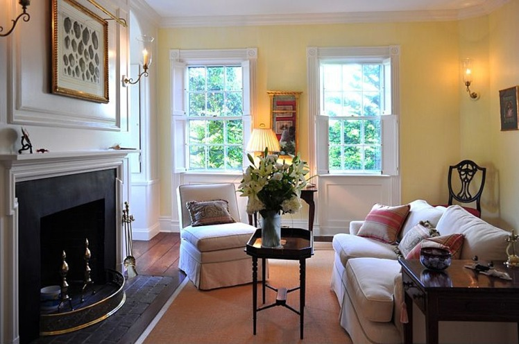 Nantucket house sitting room