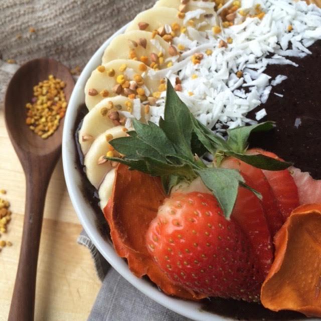 Blueberry-Acai-Breakfast-bowl