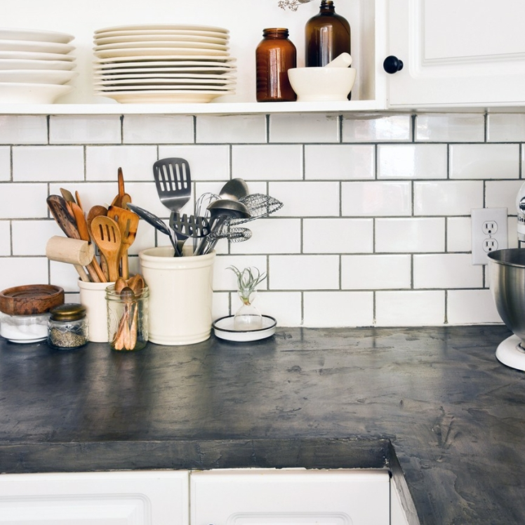 white_subway_tile_kitchen_backsplash